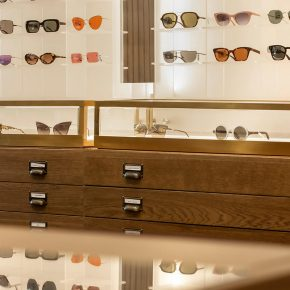 kapolis-optician-store-design-shelves-2