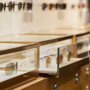 kapolis-optician-store-design-shelves