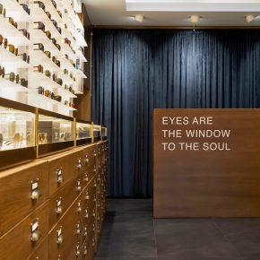 kapolis-optician-store-design-square-cashier