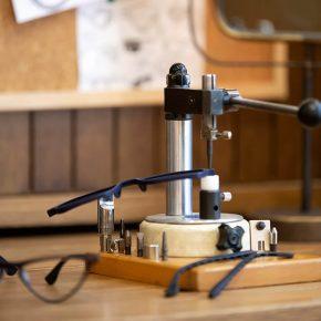 kapolis-optician-store-design-square-machine